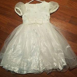 2T to 3T beautiful white dress